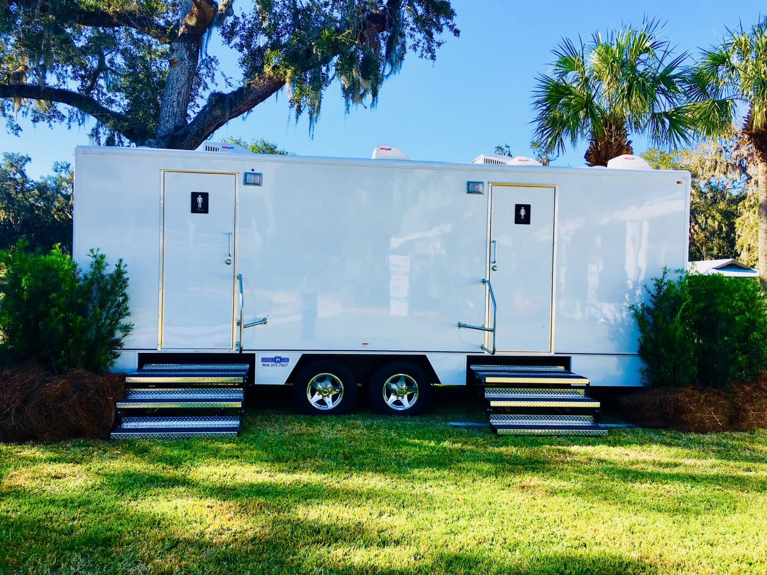 Nice, Luxury Porta Potties and Bathroom Trailers – Options and Where To Find Them?